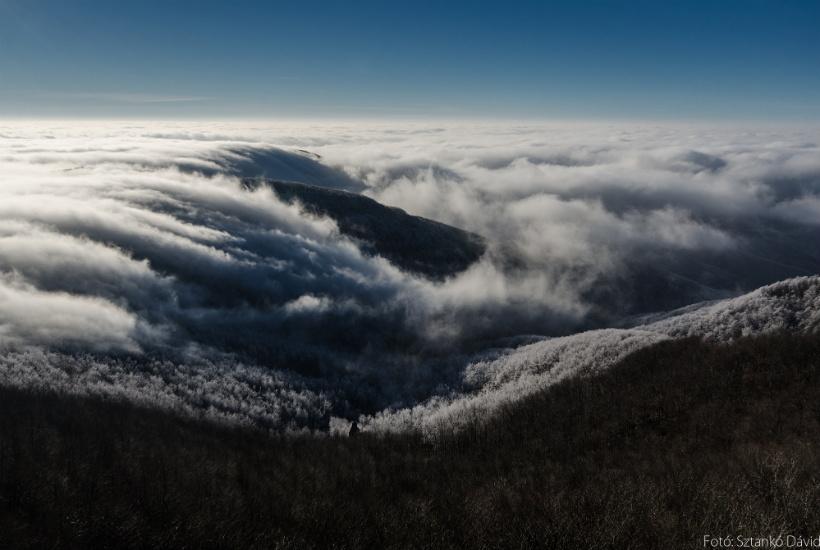 Felhők a Börzsöny hegység felett