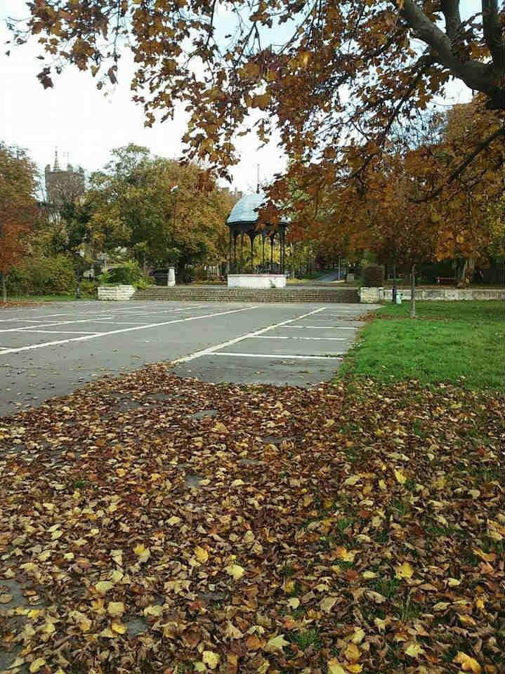 Váci dunakorzó ősszel
