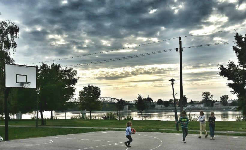 Kosárlabda pálya Esztergomb