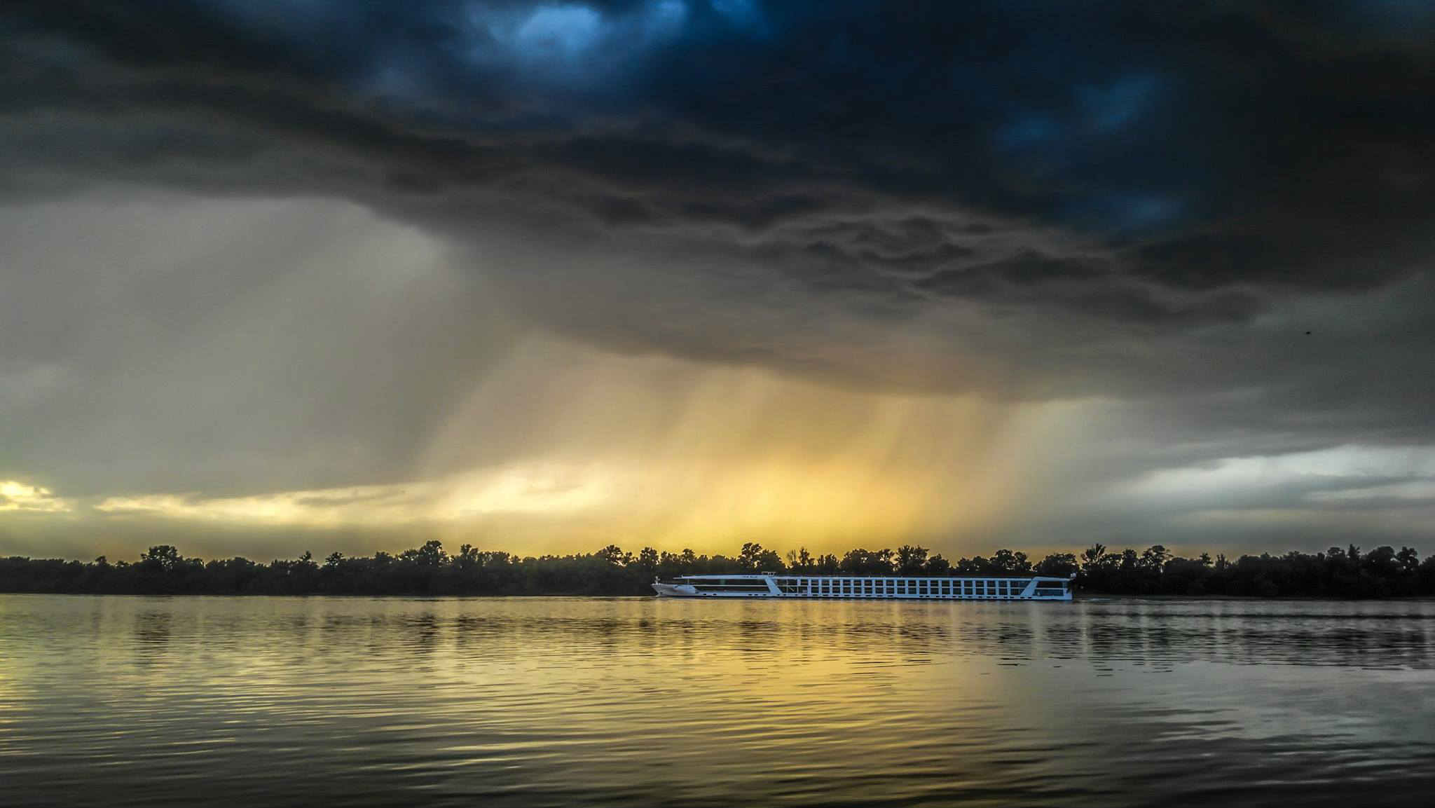 Vihar a Dunakanyarban