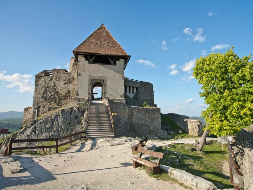 Visegrádi vár megközelítése, Vác-Visegrád kirándulás