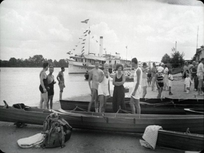 Csónakosok Leányfalun