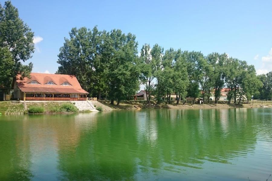 Pázsit tó strand Pócsmegyer
