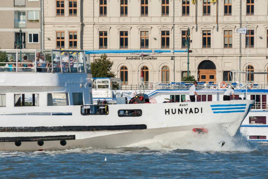 Hunyadi hajó