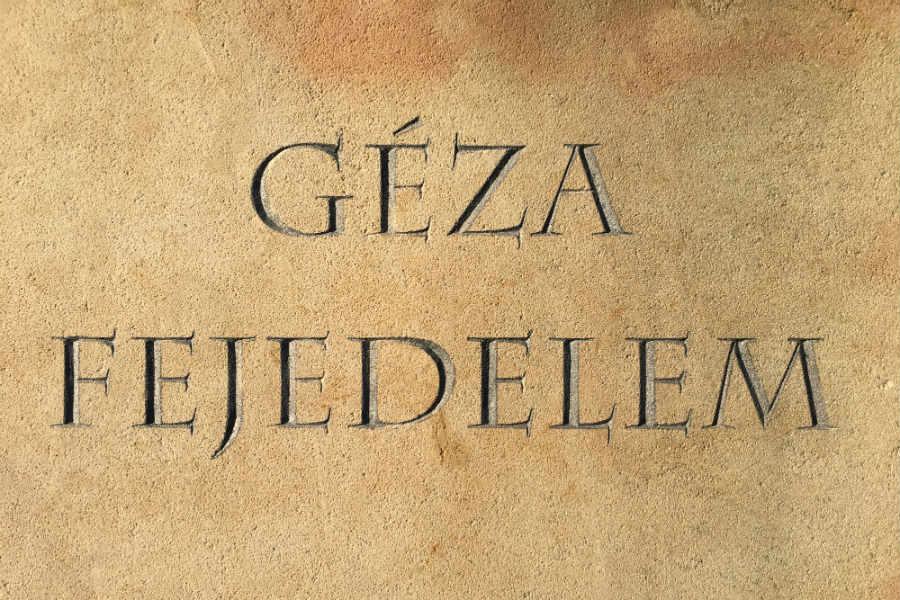 Géza fejedelem lovasszobra Verőce
