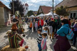 Szigetmonostor PirosLábos fesztivál, élmény a Dunakanyarban
