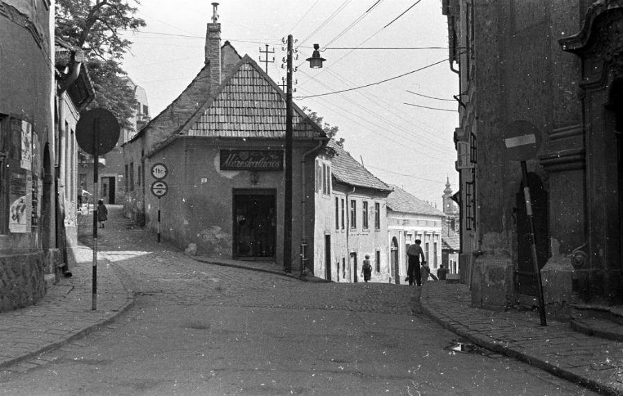 Mézeskalácsos, 1962