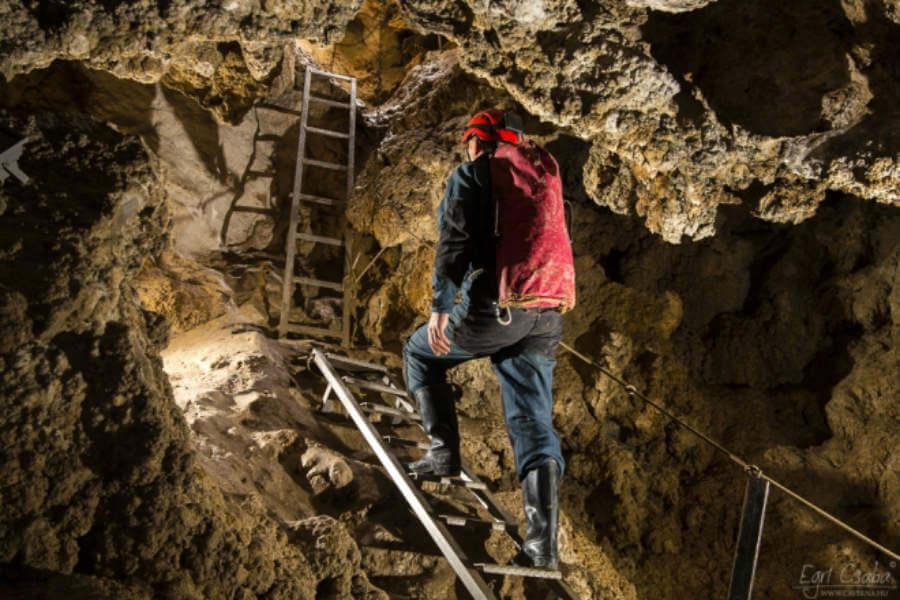 Sátorkőpusztai-barlang