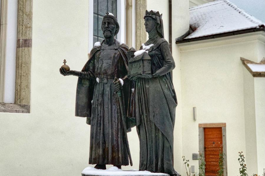 Szent István és Gizella királyné szobra Nagymaros