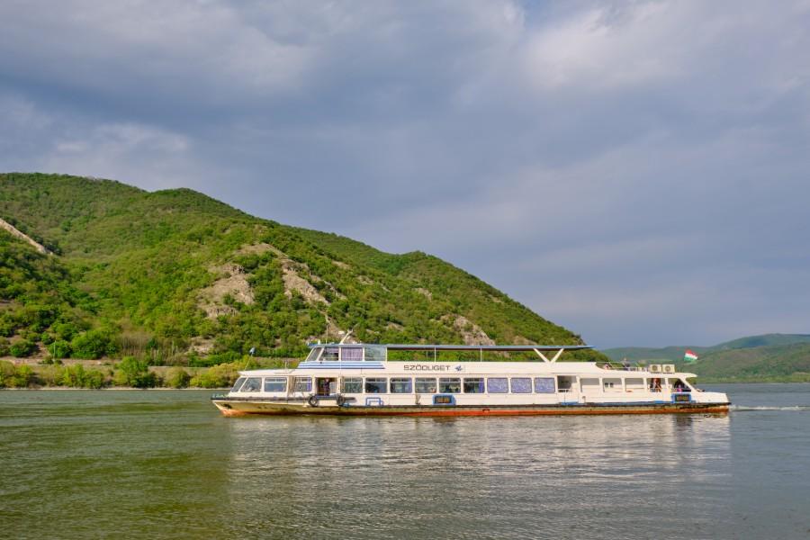 hajóval Zebegénybe