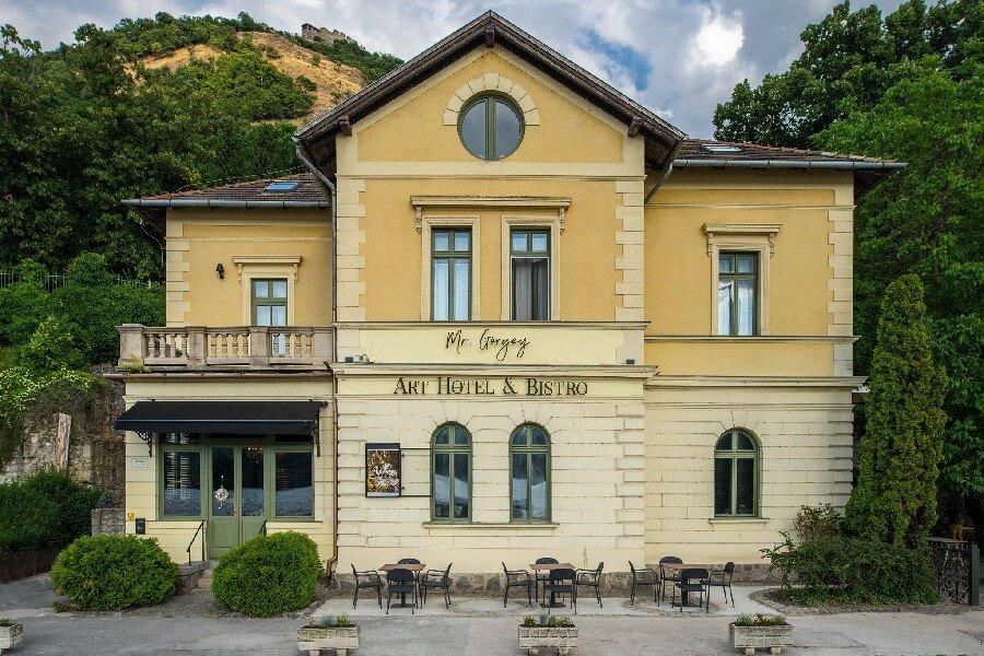 Mr. Görgey Art Hotel & Bistro Visegrád