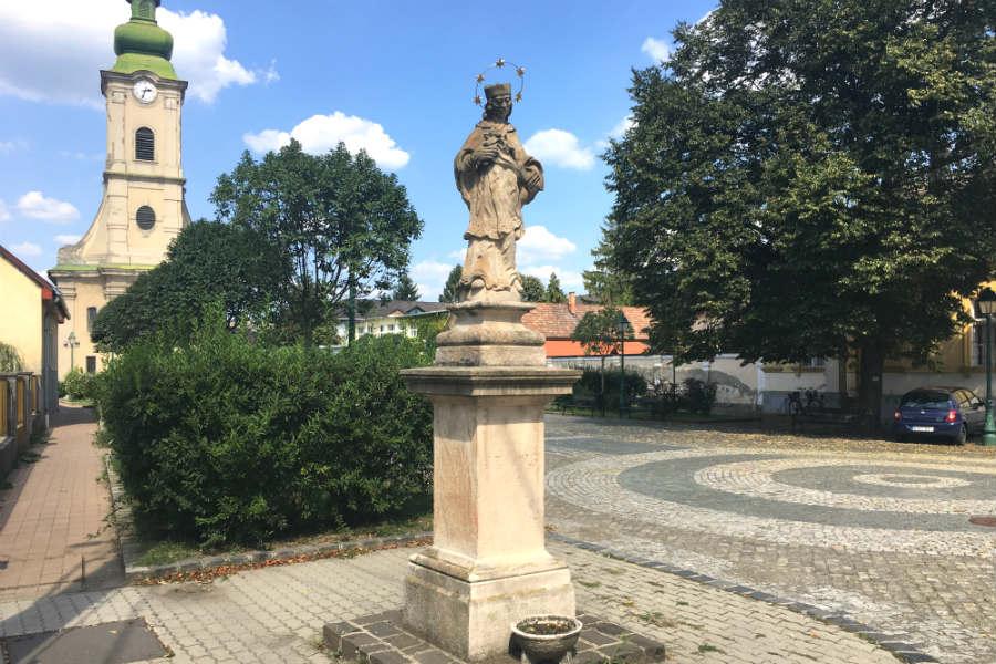 Nepomuki Szent János szobor - Szob