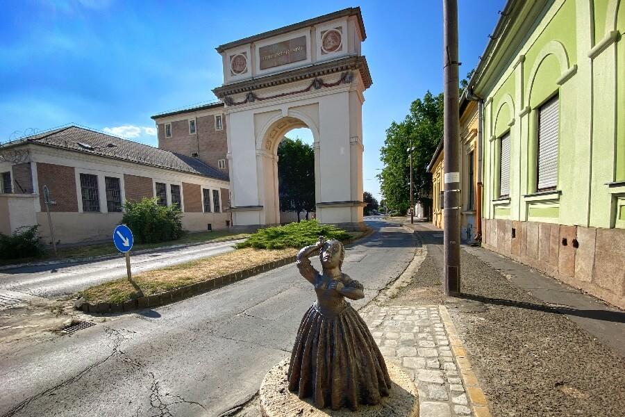 Kolodko szobor Vác Mária Terézia