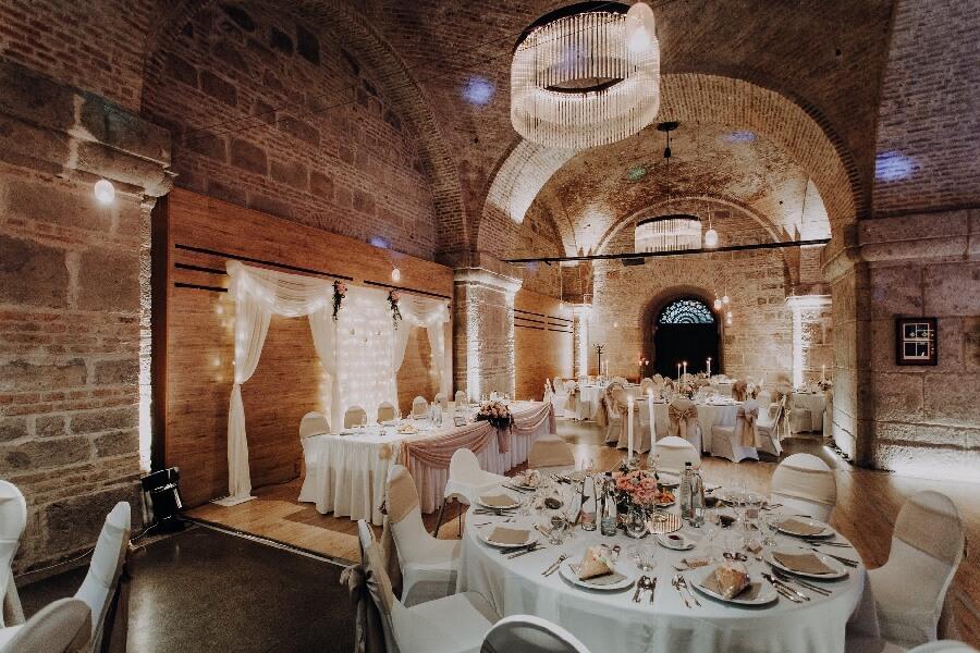 Primas Pince Esztergom Esküvő